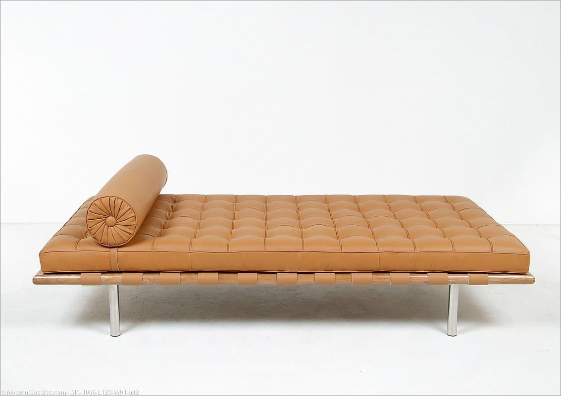 Mies van der rohe exhibition daybed barcelona couch for Classic reproduction furniture