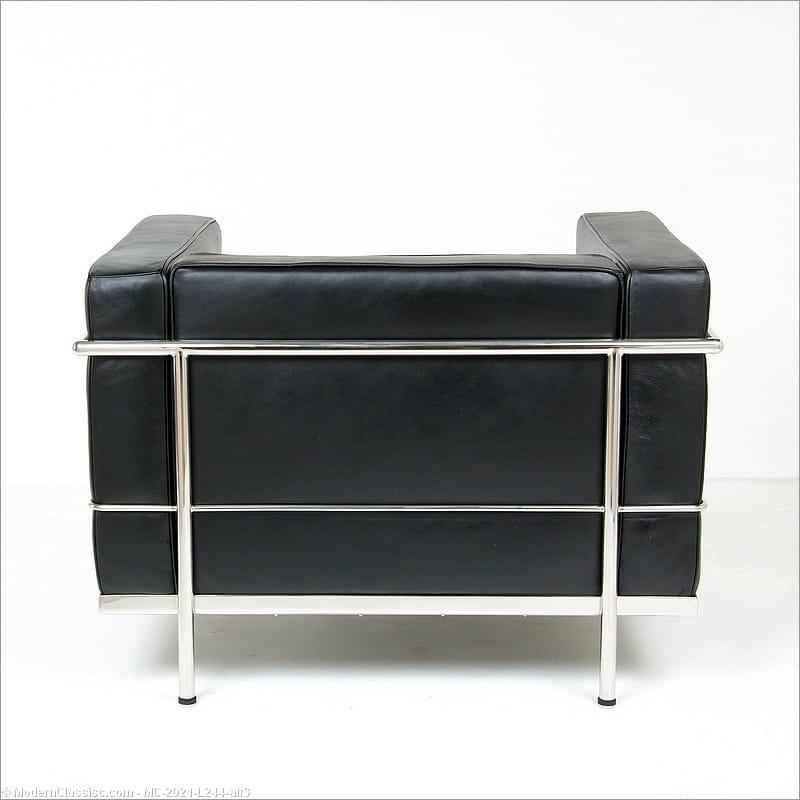 Le Corbusier LC 3 Lounge Chair Black Leather Replica