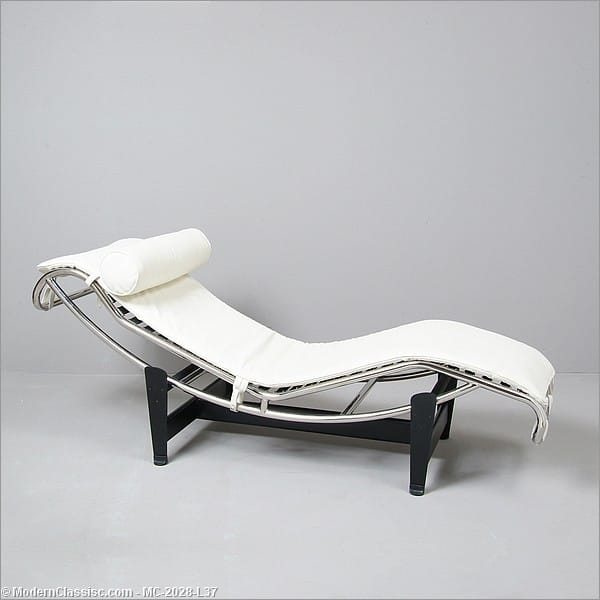 Le corbusier chaise lounge reproduction leather for Chaise lounge by le corbusier