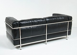 Le Corbusier LC3 Loveseat in Black Down Feathers Leather